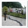 障子風トレリスとボーダーです。植栽を宿根草にすれば 英国の庭になる。