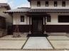 和風住宅のオープン外構(玄関ポーチ:黒石、アプローチ:白御影石)