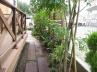 作庭/プロバンス風(枕木の隙間に砂利を敷き下草を植栽しました。)