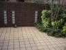 塀(壁タイル)にガラスブロックを添えたデザイン施工