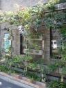施工例1  パイプとバスケットを利用した壁面緑化プラン