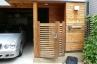 施工前;木製の門扉とフェンス、月日とともに傷んできました。