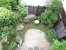 坪庭を引き締める黒竹の竹垣