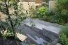 中はサンクンガーデン(沈床庭園)となっていました。一段低いところから眺めるのは、緑と竹と。そして静寂の世界です。