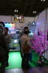 LED照明の日動工業ブース。手前で輝くのは、LEDイルミネーションツリー 「輝樹(かがやき)」。イベントやショールーム向きですね。