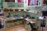 フラワーEXPOではホビー性の高いアイテムも多数展示されていました。ここもおしゃれな雑貨屋風。欧米ではすでにガーデニングの1ジャンルとなっている、ミニチュアガーデン(フェアリーガーデン)のアイテムを扱う、高松商事ブース。
