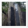 自然石を生かした和風庭園。荘厳です。