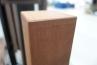 ネオカットウッドデッキは、ノンスリップの溝付きとサンディング仕上げのリバーシブル仕様。また根太、大引きなどの構造材には、リサイクルの発砲樹脂材を使用しておりとってもエコな仕様。