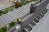スマートリブの特長として、天端と下端、連続するブロックのかみ合わせ用に、凹凸があること。これにより設置の際スムーズな位置合わせが可能となります。施工性はバッチリ。