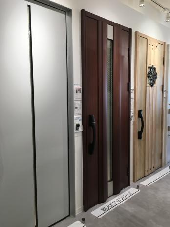 YKK AP玄関ドア /