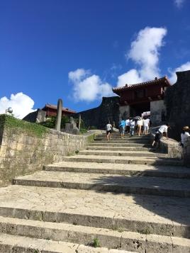 首里城への階段