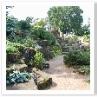 右手滝の石組みは 2005年 福原成雄(まさお)氏によって改修されました。