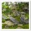 四方どこからでも楽しめる造り。日本庭園ならではの技術ですね。