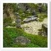 石の配置、石積み、大地の起伏・・・どれも技術力の要る仕事です。