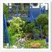 ブルーはお庭におくと映えます。西洋では良く見かけますね。