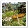 """""""丘の上のフラワーガーデン〜ポーターの夢見た花園〜""""ボートがある花園。"""