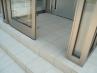 風除室(引き戸を開けたところ。奥に玄関ドアがあります。)) 施工例3