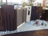 モダンな建材とデザイン塀で構成されたスタイリッシュな門まわり