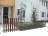 分譲住宅3棟 ウッド柱、コンクリート、樹木、のシンプルプラン 施工例2