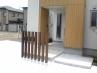 分譲住宅3棟 ウッド柱、コンクリート、樹木、のシンプルプラン 施工例4
