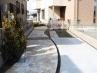 戸建て住宅 変形敷地の細長い駐車場兼、アプローチ