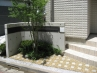 エントランスのシンボル コンクリート打ち放し仕上げの塀