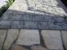 自然石と共存できる質感のあるスタンプコンクリート