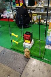 国際農業EXPO2014 電気柵に迫るウリ坊